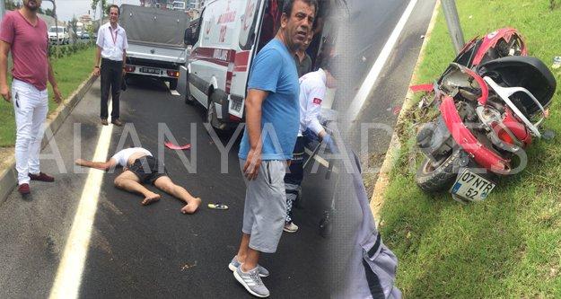 Alanya'da motosiklet kazası! 1'i ağır 2 yaralı var