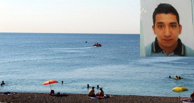 Gece denize girip kaybolan gencin cesedi bulundu