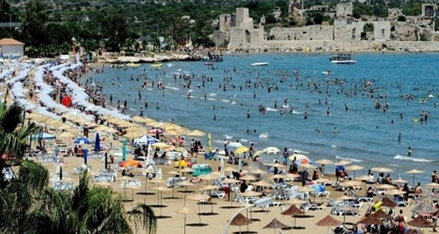 Temmuz'da yabancı turist Antalya'ya aktı
