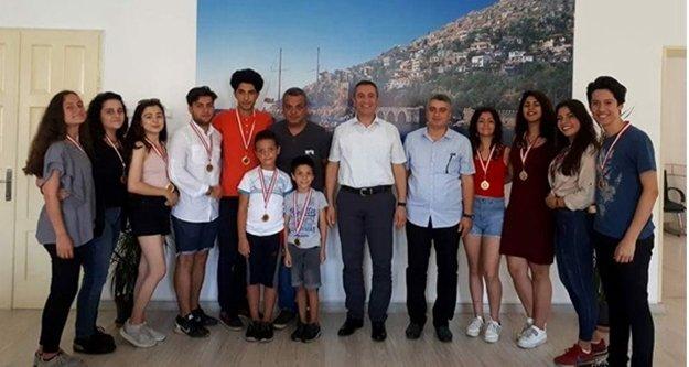 Türkler Güzel Sanatlar Lisesi'nden Türkiye derecesi