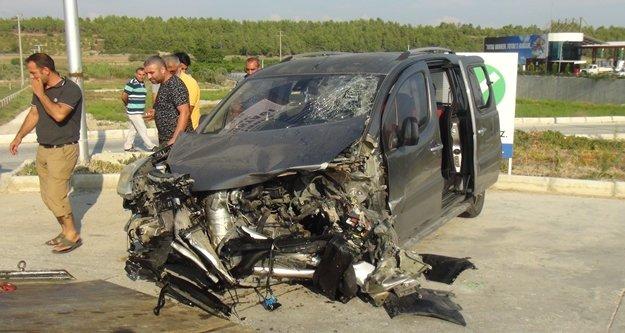 Bu arabadan yaralı kurtuldular