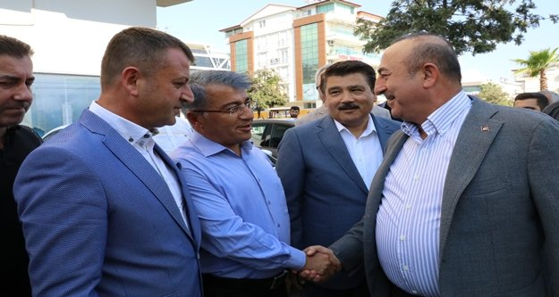 """Çavuşoğlu: '2 milyona yakın insan, Türkiye sınırına gelebilir"""""""
