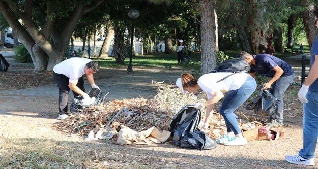 Gazipaşa'da temizlik hareketine katıldı