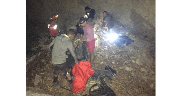 Kanyonda mahsur kalan 4 kişi drone ile bulundu