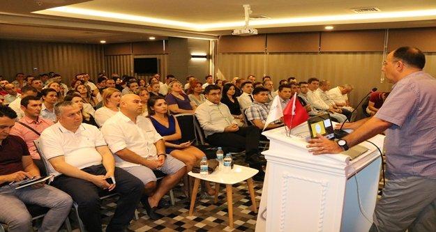 Alanya'da 'Dijital Devrim' semineri