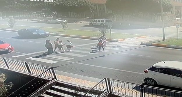 Anne ve kızlarına çarpan otomobil sürücüsü tutuklandı