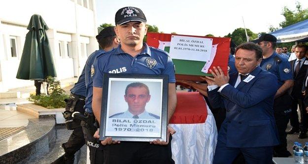 Aort damarı yırtılması sonucu ölen polis memleketine uğurlandı