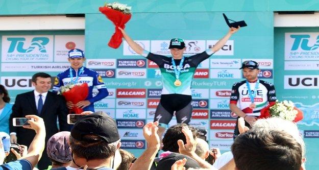 Tur'un Alanya-Antalya etap birincisi Sam Bennett oldu