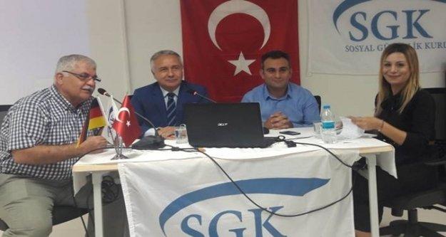 Yerleşik yabancılara SGK anlatıldı