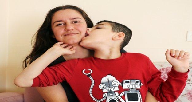 10 yaşındaki epilepsi hastası Eray'ın pil çığlığı