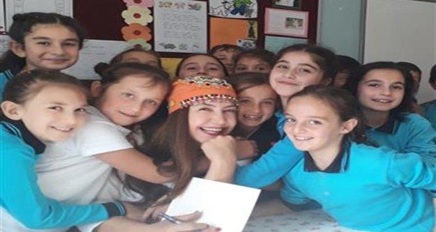 Alanya Belediye Tiyatrosu, Trabzonlu çocuklarla mutluluğun resmini yaptırdı