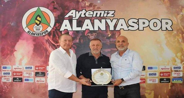 Alanyaspor'da Mesut Bakkal dönemi kapandı