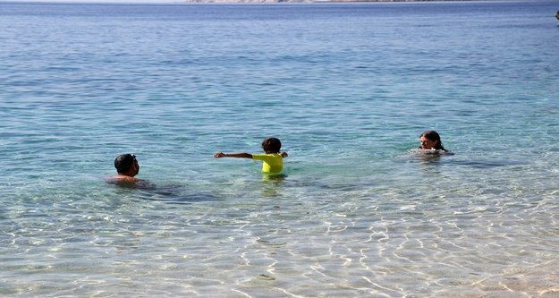 Antalya'da Kasım ayında deniz keyfi