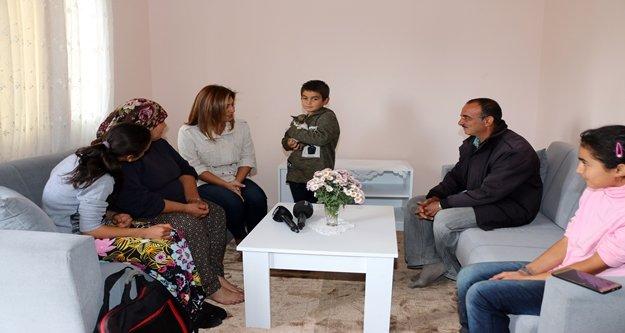 Barakada yaşayan 6 kişilik aile, yeni evlerine kavuştu