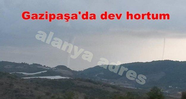Gazipasa'daki dev çifte hortum Alanya'dan böyle görüntülendi