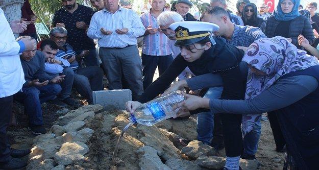 İzmir'de intihar eden teğmen Manavgat'ta defnedildi