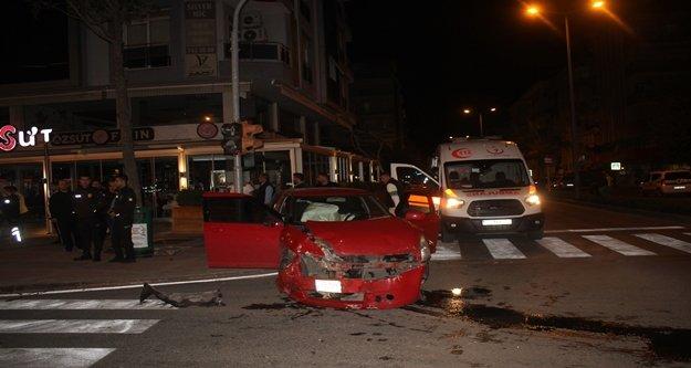 Manavgat'ta trafik kazası: 3 yaralı