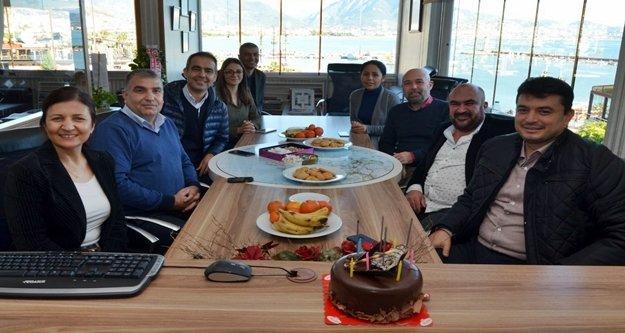 AGC başkanı Coşkun'a pastalı kutlama