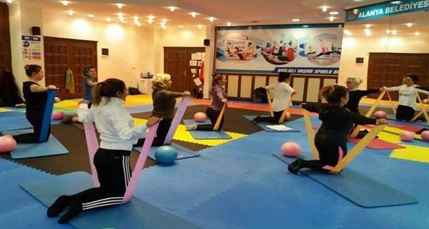 Alanya Belediyespor'dan kadınlara özel  pilates kursu