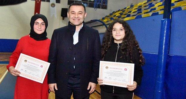 Alanya ve Ege zeybek kursları sertifikalarını verdi