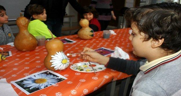 Alanya'da öğrencilere  su kabağı ve quilling eğitimi