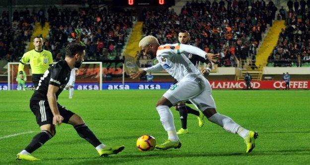 Alanyaspor Beşiktaş'ı elinden kaçırdı