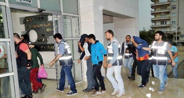 Alman turistleri dolandıran çeteye 38 gözaltı