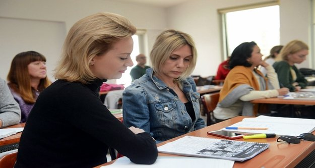 ASMEK yabancılara Türkçe öğretiyor