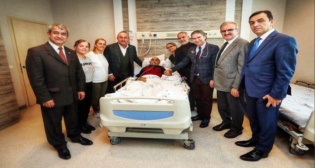 Bakan Çavuşoğlu'ndan AGC Başkanı Yeni'nin kayınbabasına ziyaret