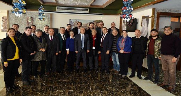 Başkan Uysal meclis üyeleriyle yemekte buluştu