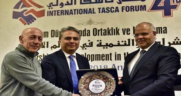 Başkan Uysal TASCA Forumu'ndaydı
