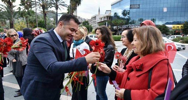 Başkan Yücel'den Alanya Kadınlarına jest