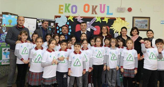 Başkan Yücel, eko- okulda GES projesini anlattı