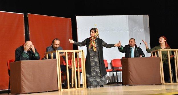 Halk tiyatrosu seyirciyle buluştu