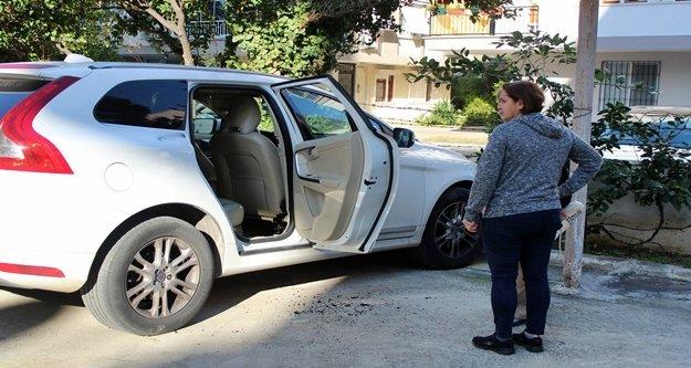 Hırsızlar park halindeki araçlara dadandı!