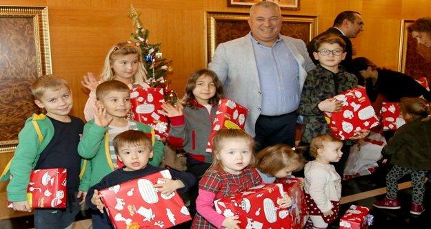 Konsolos Şahin Litvanyalı çocuklarla buluştu