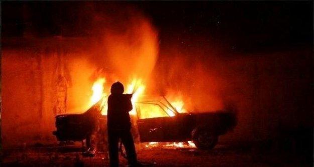Alanya'da şarampole yuvarlanan araç alev alev yandı