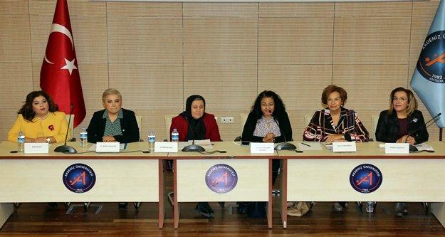 'Siyasette Kadın Sesi' konuşuldu