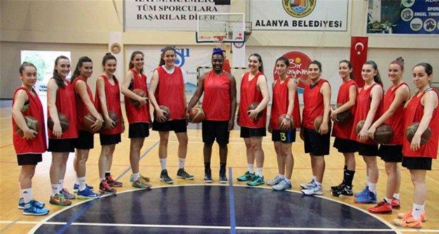 Alanya Belediyespor'un yarı final başarısı