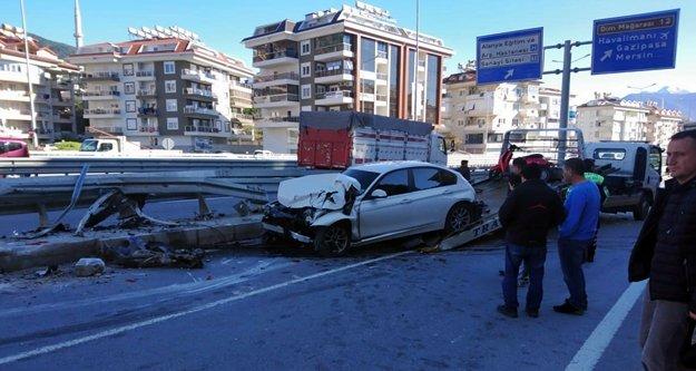 Alanya Çevre Yolu'nda korkutan kaza: 1 yaralı
