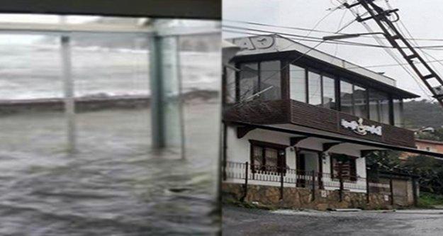 Alanya'da çatılar uçtu, iş yerlerini su bastı!
