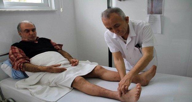 Ayağı kesilme noktasına gelen egzema hastası çareyi Alanya'da buldu
