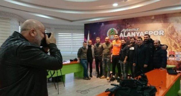 Fotoğraf makinesi bu kez Çavuşoğlu'ndaydı