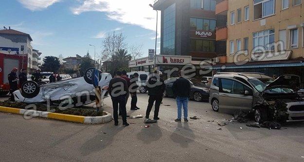 Alanya'da feci kaza: 1 araç takla attı!