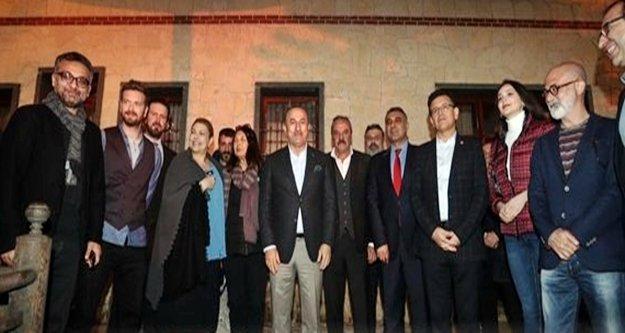 Bakan Çavuşoğlu Alanya'daki  dizi setini ziyaret etti
