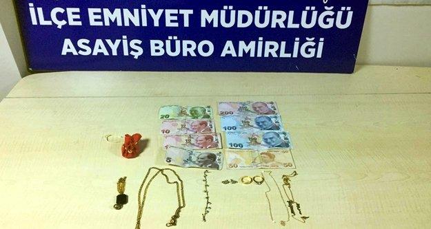 Evden ziynet eşyası çalan hırsızlar polisten kaçamadı
