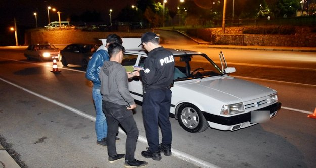 Polisin yaptığı denetimde sürücülere ceza yağdı