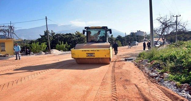 Alanya Belediyesi sıcak asfaltta hız kesmiyor