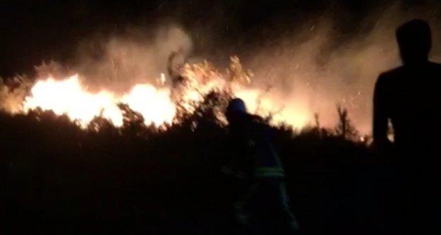 Alanya'da fırtınalı havada korkutan gece yangını