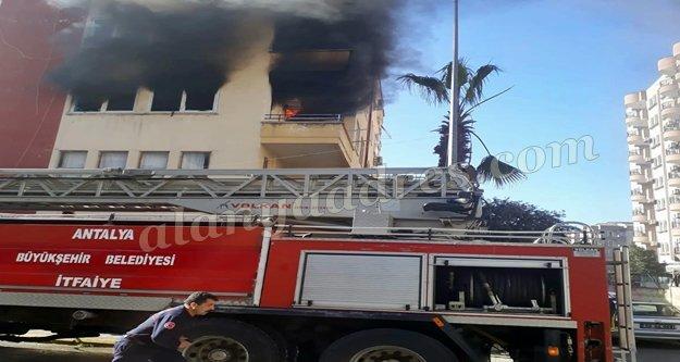 Alanya'da yangın paniği!